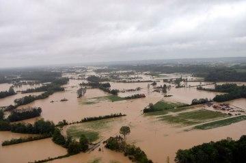 srbija-zbog-poplava-evakuisano-6175-ljudi-povrijedjeno-20_1400222300